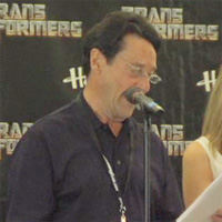 TRANSFORMERS BotCon 2011: On Stage With the Cast