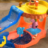 TV Commercial Littlest Pet Shop Walkables Slide 'n Dive Lagoon