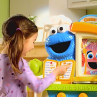 PLAYSKOOL Sesame Street Cookie Monster Kitchen Cafe Commercial