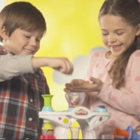 PLAY-DOH Swirling Shake Shoppe Commercial