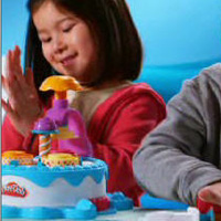 PLAY-DOH Cake Makin' Station