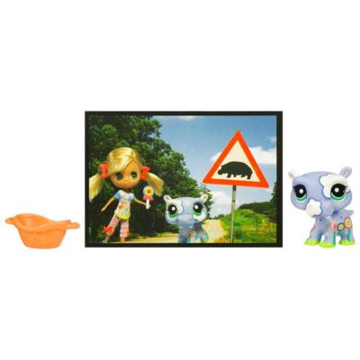 LITTLEST PET SHOP BLYTHE Loves LITTLEST PET SHOP: HIKING TRIP