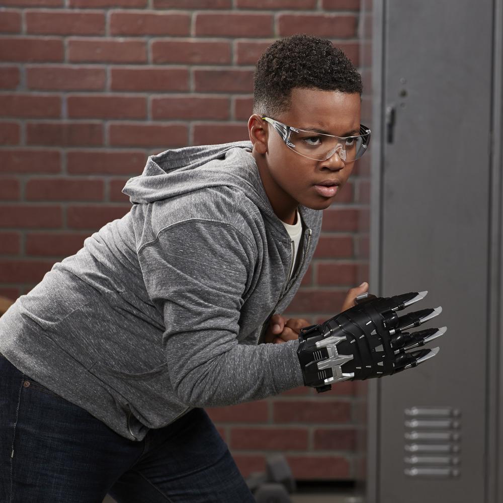 NERF Power Moves Marvel Avengers Black Panther Power Slash NERF Dart, pileaffyrende legetøj til rollespil for børn, til børn fra 5 år