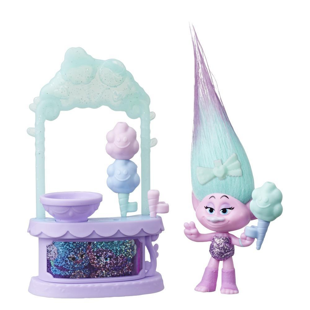 DreamWorks Trolls Satin's Sweet Treats Playset, Cotton Candy Stand with Figure and Accessories