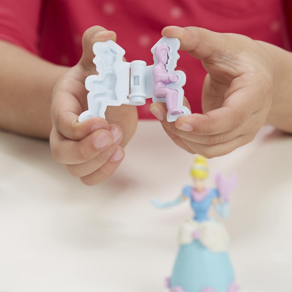 Play-Doh Royal Carriage Featuring Disney Princess Cinderella