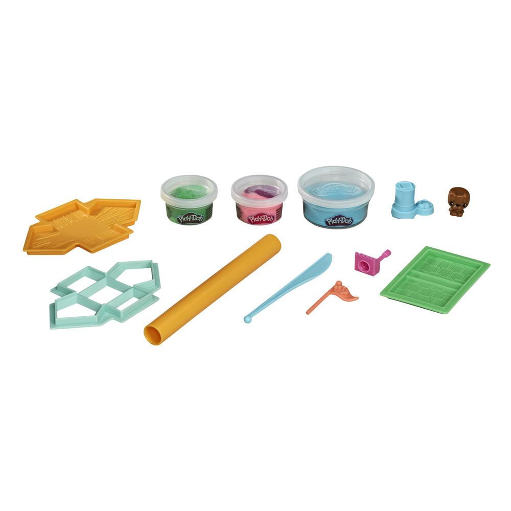 Play-Doh Builder Doghouse Mini Animal Building Kit for Kids 5 Years and Up with 3 Play-Doh Cans, Non-Toxic
