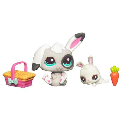 LITTLEST PET SHOP – CUTEST PETS – NAP TIME WITH MOMMY - Mommy Bunny and Baby Bunny Set