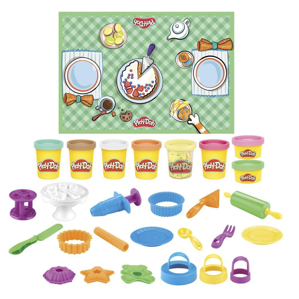 Play-Doh Kitchen Creations Sweet Cakes Playset for Kids 3 Years and Up with 8 Colors, Playmat, Over 15 Tools