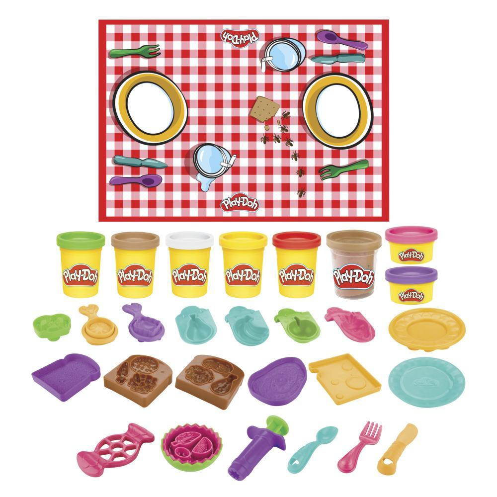 Play-Doh Kitchen Creations Picnic Lunch Playset for Kids 3 Years and Up with 8 Colors, Playmat, Over 15 Tools