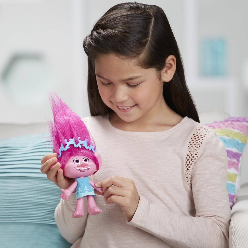 DreamWorks Trolls Poppy Hug Time Harmony Figure
