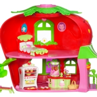 Strawberry Shortcake Deluxe Berry Café Bonus Pack