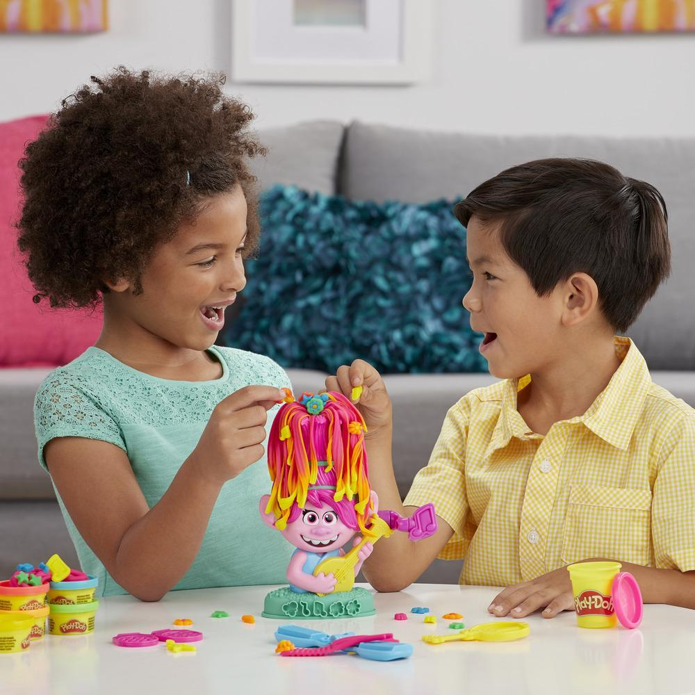 Play-Doh Trolls World Tour Rainbow Hair Poppy Styling Toy with 6 Non-Toxic Play-Doh Colors