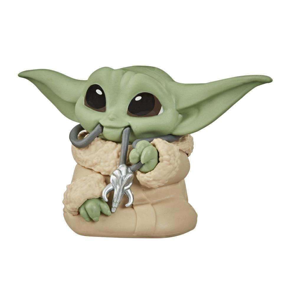 "Star Wars The Bounty Collection Series 2 The Child Collectible Toy 2.2-Inch ""Baby Yoda"" Mandalorian Necklace Figure"