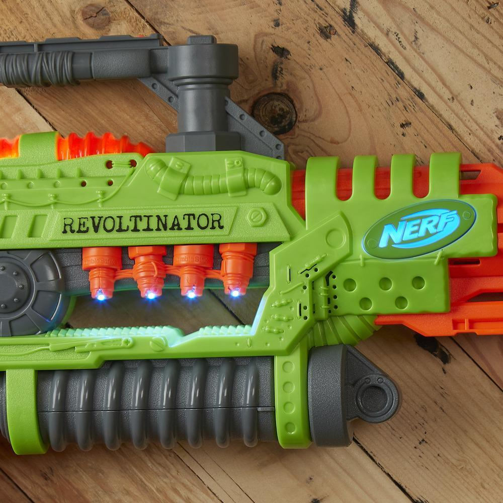 Lanzador de juguete Revoltinator Nerf Zombie Strike con luces, sonidos y 18 dardos Nerf oficiales para chicos, adolescentes y adultos.