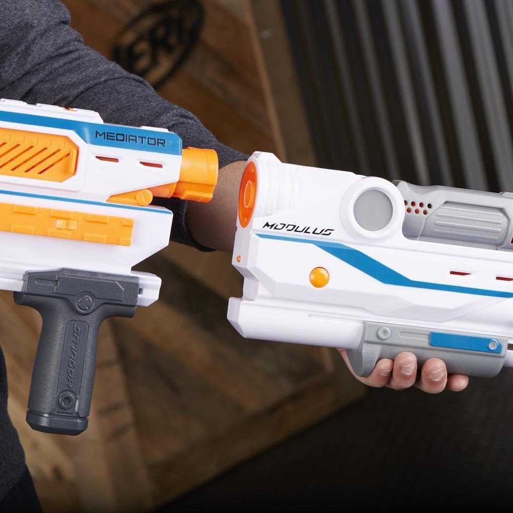 Lanzador Nerf Modulus Mediator - Lanza 6 dardos seguidos - Modo ráfaga - Clip de 6 dardos y 6 dardos Nerf Elite