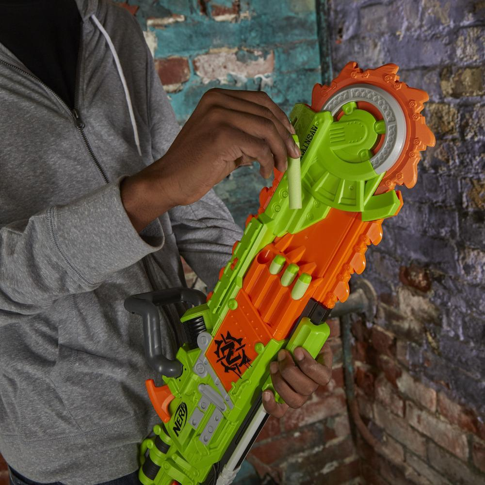 Nerf Zombie Strike Brainsaw - Lanzadardos - Sierra giratoria de espuma, 8 dardos Nerf Zombie Strike