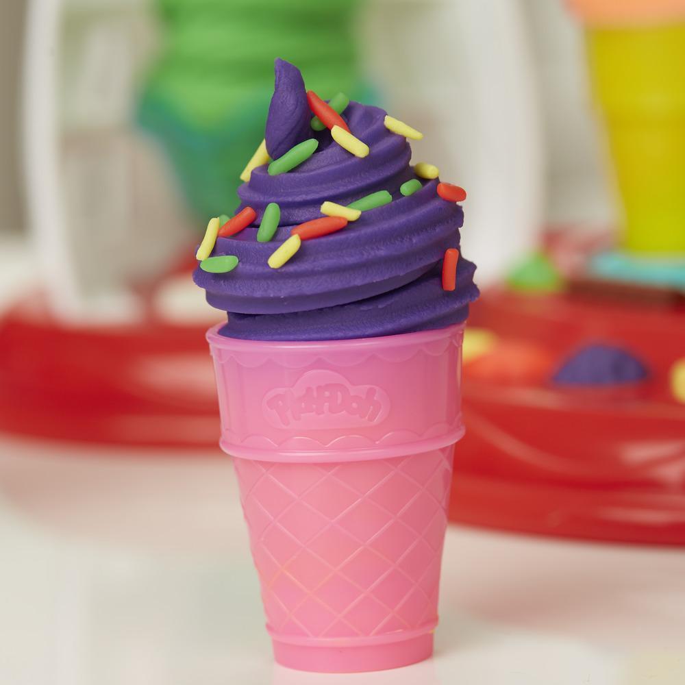 Play-Doh Kitchen Creations Súper máquina de helados