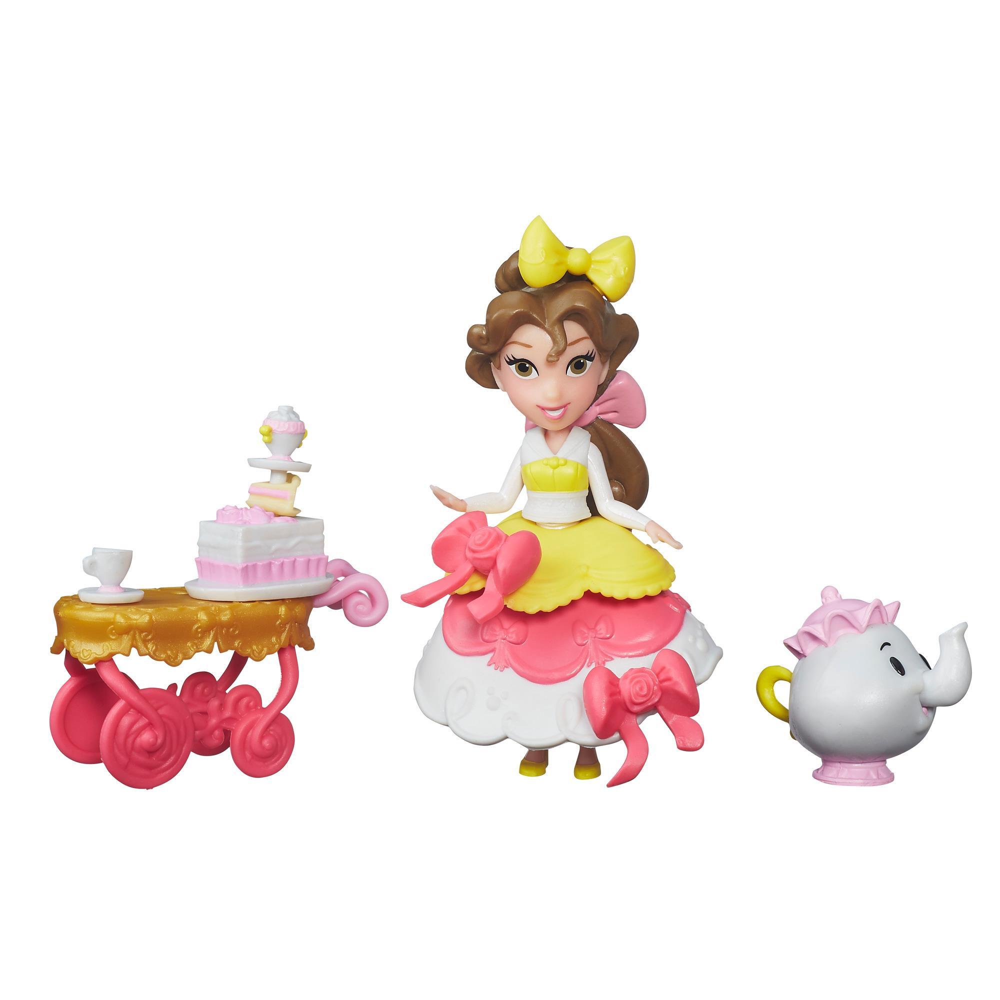 Tomando el té con Bella Pequeño Reino Disney Princess