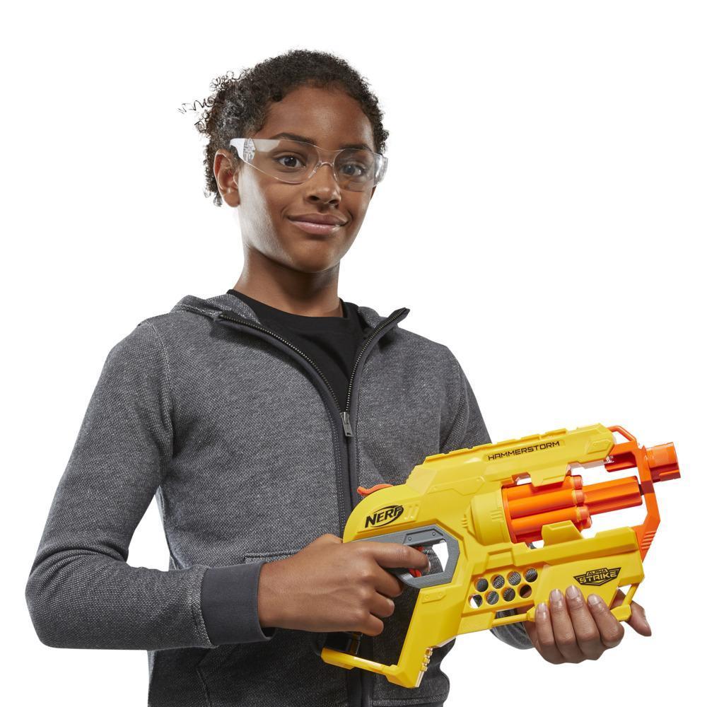 Lanzador Hammerstorm Nerf Alpha Strike - Recarga con percutor, tambor giratorio, 8 dardos Nerf Elite oficiales - Para niños, adolescentes y adultos