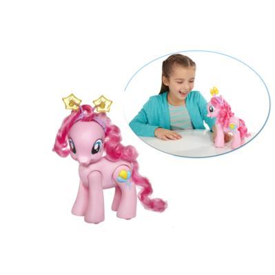 Pinkie Pie poney chante, marche et danse