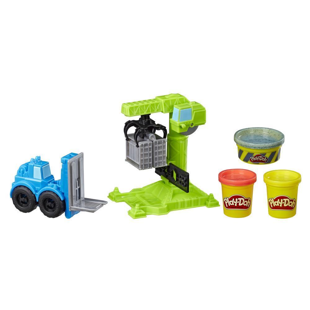 Grue et chariot élévateur Play-Doh Wheels; jouet de construction avec pâte de construction atoxique imitant le ciment et 2 autres couleurs