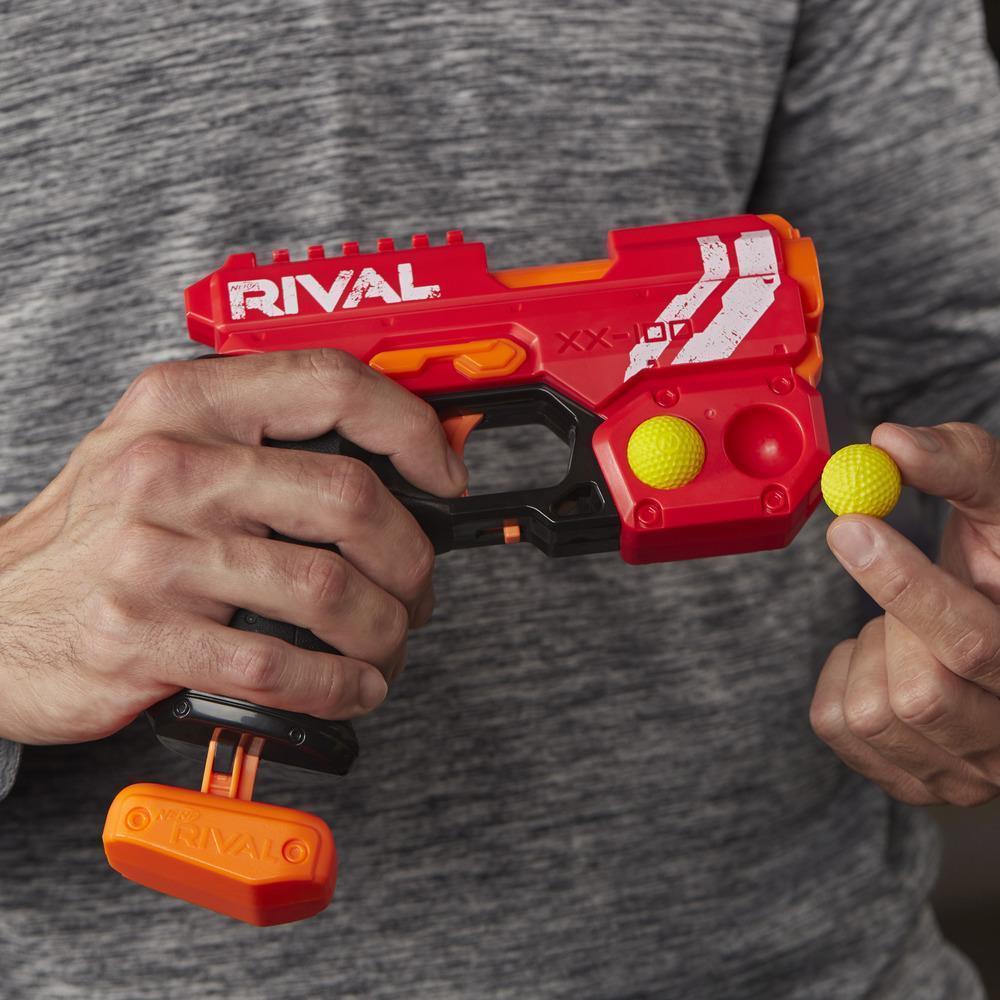 Nerf Rival, Blaster Knockout XX-100 ; rangement pour billes en mousse, 27 m/s ; vendu avec 2 billes en mousse Nerf Rival officielles, équipe des rouges