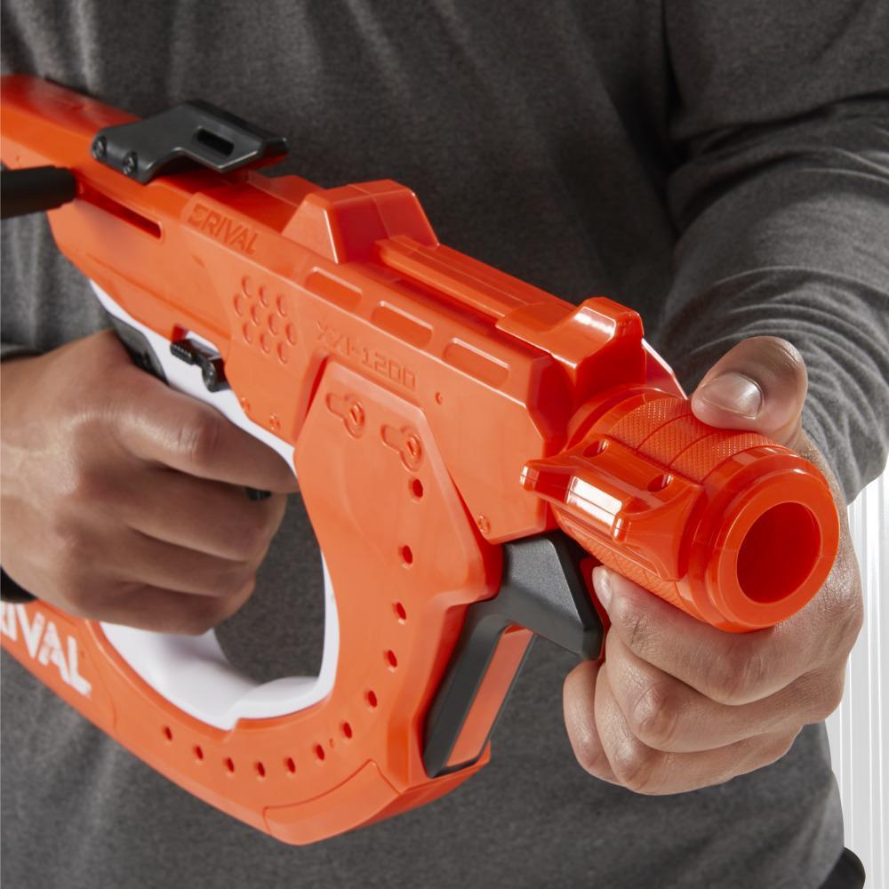 Nerf Rival Curve Shot, blaster Sideswipe XXI-1200, tirs rectilignes ou courbes (gauche, droite, vers le bas)