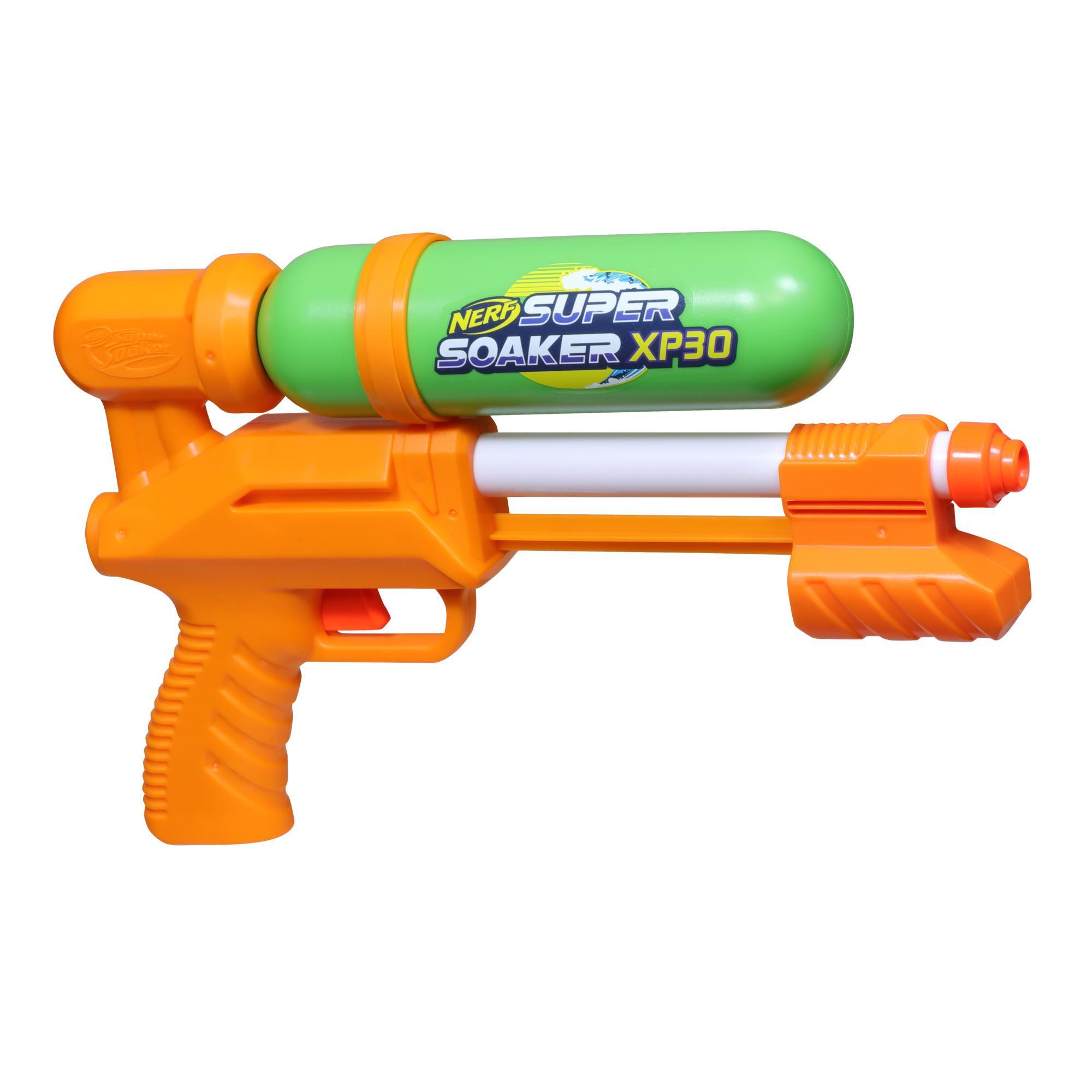 Nerf Super Soaker, blaster à eau XP30-AP, réservoir fait en plastique recyclé, jet d'eau continu à air comprimé