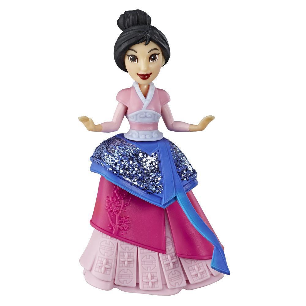 Disney Princesses Royal Clip - Mini poupée Mulan de collection avec tenue rouge et bleue scintillante, jouet pour les enfants à partir de 3ans