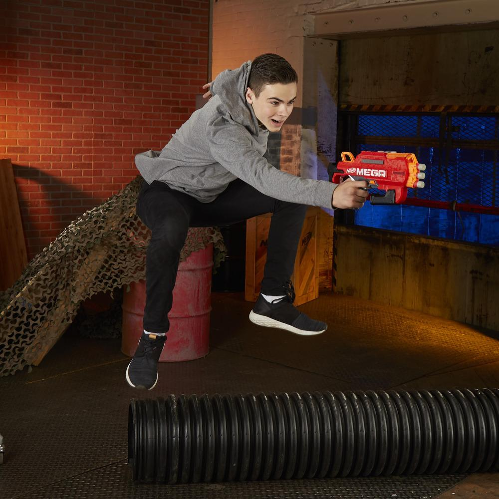 Nerf Mega - Bulldog (blaster con dardi Accustrike)