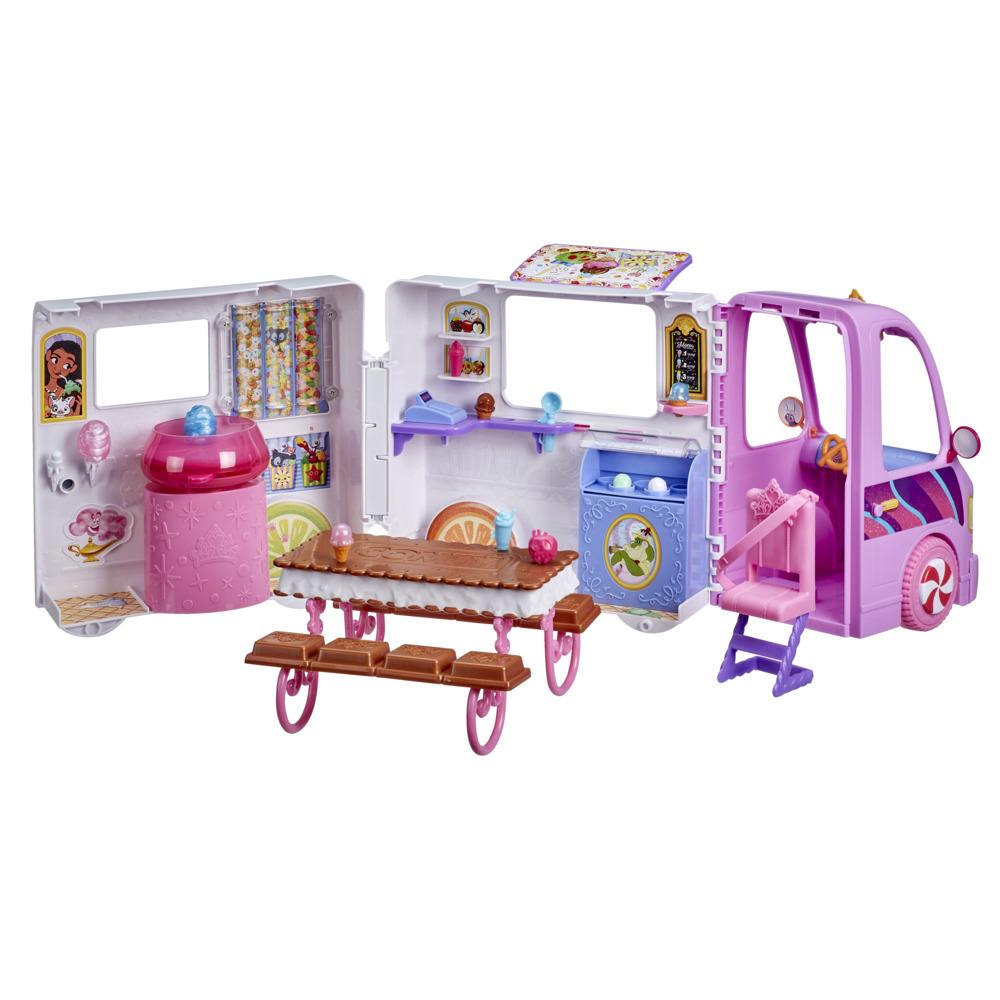 Disney Princess Comfy Squad Sweet Treats Truck, kjøretøy-lekesett med 16 tilbehør, lekeversjon av en iskrembutikk, leker for jenter fra 5 år