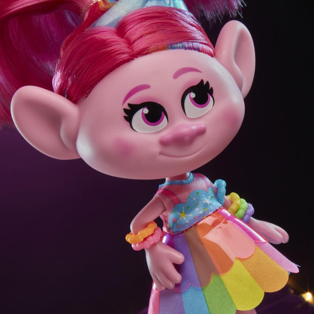 DreamWorks Trolls Poppy Glamour com vestido, sapato e outros acessórios, com inspiração no filme Trolls World Tour, brinquedo para crianças