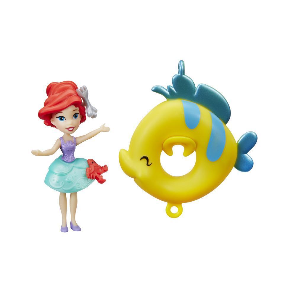 Mini păpușa Ariel, pentru joaca în apă de la Disney Princess