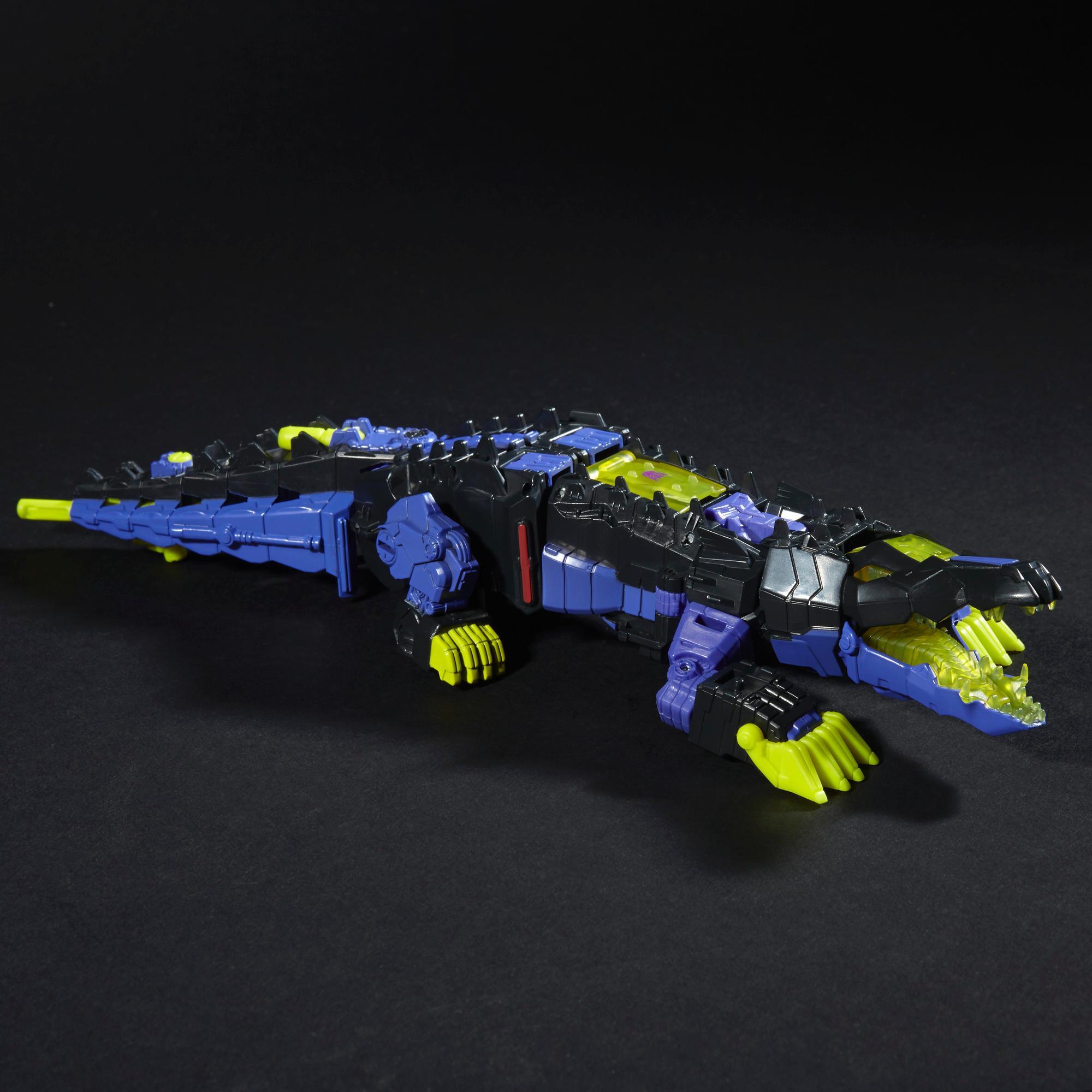 Decepticon Krok și Gatorface din gama Întoarcerea Titanilor, seria Transformers Generations
