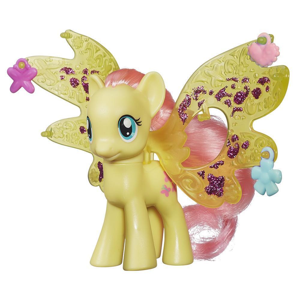 Мой маленький пони: Магия знаков отличия. Фигурка Флатершай с крыльями и кулонами