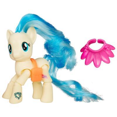 Мой маленький пони: Дружба - это чудо!  Фигурка мисс Поммель на показе мод